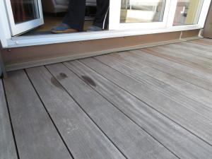 Balkonaustritt mit 15 cm Höhenunterschied. Lösung feste Rampe einbauen.